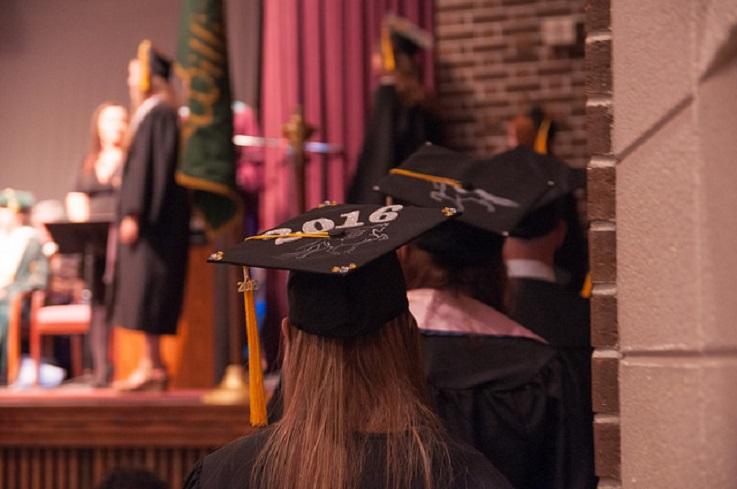 bachelors degree students celebrate 2016 Graduation ceremony